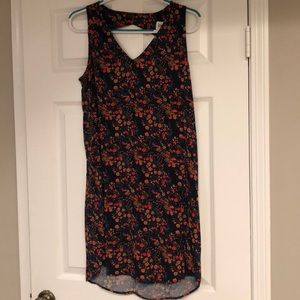Gap floral shift dress with peekaboo back